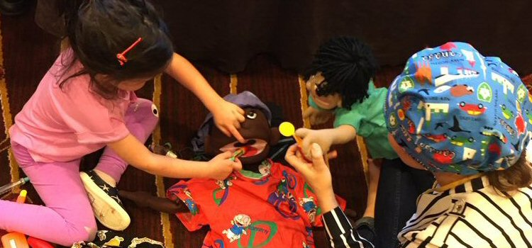 Medical play with a special puppet
